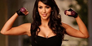 Kim Kardashian ikut Yoga Bugil