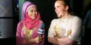Mustafa 'Debu' Nikahi Penyanyi Cinta Penelope
