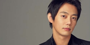 Penyanyi Korea 'Tei' Homo ?