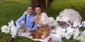 Roben Onsu - Wenda Tan Habiskan Miliaran Untuk Nikah di Bali