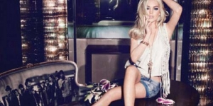 Setelah Bugil di Playboy, Lindsay Lohan Kembali Tampil Seksi di JAG Jeans