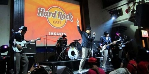 Susul Gugun Blues Shelter Go Internasional di Hard Rock Calling 2012