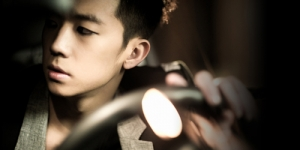 Syahrini Sambut Taecyeon 2PM