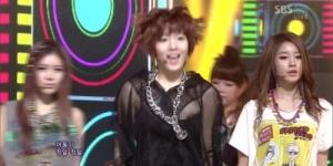 Tampil di SBS Inkigayo, Payudara Hwayoung T-Ara Terlihat