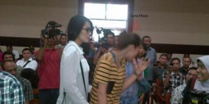 Ups! Luna Maya Salah Masuk ke Persidangan Rasyid Rajasa
