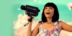 Video Klip Citra Scholastika 'Berlian' Contek Katy Perry 'California Gurls'?