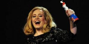 Wow, Album Adele Lebih Laku Dibanding Michael Jackson