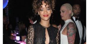 Wow! Berpesta Kenakan Gaun Tipis, Puting Rihanna Terlihat