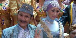 Wow, Ki Daus Menikah dengan Cewek Muda