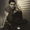 Karya Ronny Jacques, Marlon Brando menikmati bir dan rokok 1948 (£3,000-£5,000)