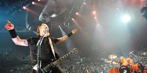 2.694 Polisi dan 28 Mobil Pemadam Amankan Konser Metallica