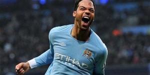 Betah di Manchester City, Lescott Ingin Kontrak Baru