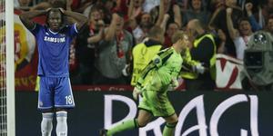 Eksekusi Penalti Gagal, Drogba Beri Dukungan untuk Romelu Lukaku