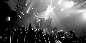 Ketularan Bahasa Intelek Vicky Prasetyo, Metallica Nyanyi Vickynisasi