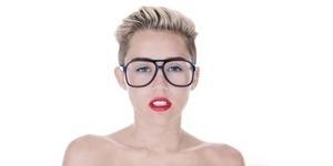 Miley Cyrus Rilis Video Wrecking Ball Versi Tanpa Adegan Bugil