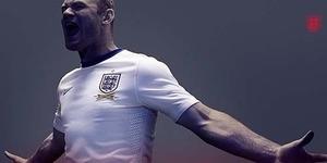 Rooney Pajang Foto Cedera Kepala di Facebook