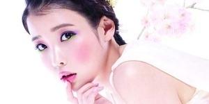 4 Seleb Korea ini Masuk Kategori Model Kosmetik Terburuk