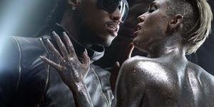 Miley Cyrus Kembali Bugil di Video Future, Real & True