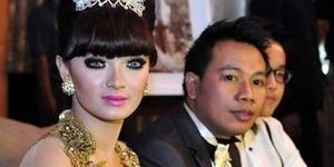 Pertunangan Vicky Prasetyo - Zaskia Gotik Hanya Settingan?