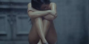 Alasan CL 2NE1 Bugil di Video Missing You