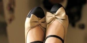 Bahaya Memakai Sepatu Datar