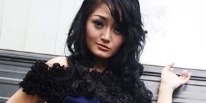 Isu Foto Bugil Tidak Pengaruhi Karir Siti Badriah