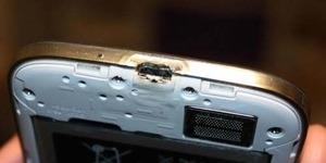 Unggah Video Galaxy S4 Terbakar, Samsung Paksa Pengguna Tutup Mulut