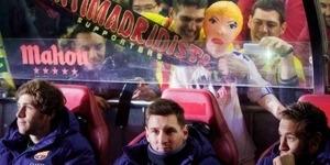 Boneka Seks Cristiano Ronaldo Nonton Pertandingan Barcelona vs Atletico Madrid
