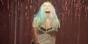 Kesha Kenakan Lingerie Seksi di Video Dirty Love
