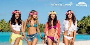 Model-model Seksi Berbikini di Video Keselamatan Air New Zealand
