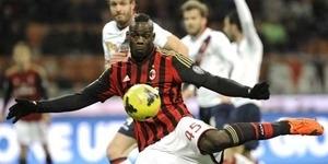 Video Gol Indah Mario Balotelli di Laga AC Milan vs Bologna