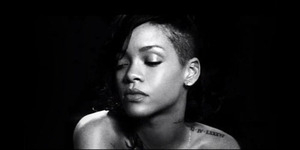 Video Lucu Rihanna Nyinden Lagu Diamond