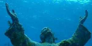 Patung Yesus Bawah Air, Wisata Baru Tujuan Penyelam Dunia