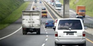 Ponsel Bikin Pom Bensin Meledak dan 9 Mitos Tentang Mobil Lainnya
