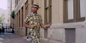 Video Pharrell Williams Happy Jiplak Video Girl Walk/All Day