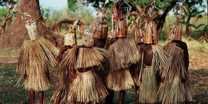 7 Ritual Kedewasaan Paling Seram dan Menyakitkan di Dunia