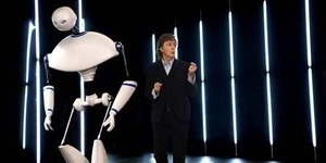Aksi Paul McCartney Duet dengan Robot di Video Appreciate