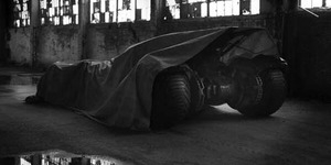 Bocoran Foto Mobil Baru Batman 'Batmobile' di Batman Vs. Superman