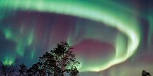 Indahnya Fenomena Northern Light dan 'Matahari Malam' Di Lapland