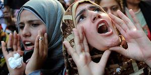 Lebih dari 1.000 Pengunjuk Rasa di Iran Menuntut Penggunaan Hijab Diwajibkan
