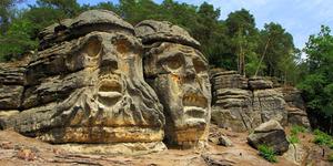 Obyek Wisata Batu Kepala Setan Misterius di Ceko