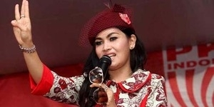 Pedangdut Seksi Camel Petir Dukung Jokowi-JK