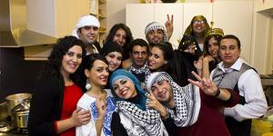 Perceraian di Iran Dirayakan dengan Pesta Meriah