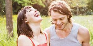 Survei: Wanita Lebih Setia Pada Pria Humoris
