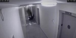 Terekam Kamera, Seorang Pria Dihajar Hantu