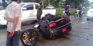 Berkat Jimat Pengemudi Selamat Meski Lamborghini Terbelah Dua