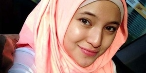 Marshanda Lepas Jilbab dan Jalan Bareng Pria Bertato