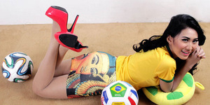 Pedangdut Seksi iMeyMey Punya Tiket Final Piala Dunia 2014 Brasil