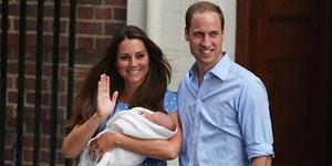 Foto Lucu Pangeran George Putra Kate Middleton Main Bola