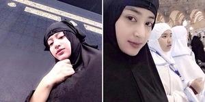 Umroh, Dewi Perssik Asyik Foto Selfie